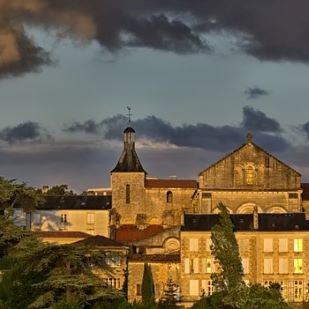 Manucure à Poitiers