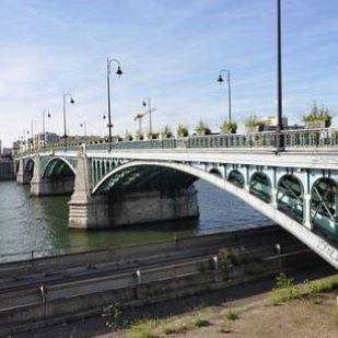 Hommes à Asnières-sur-Seine